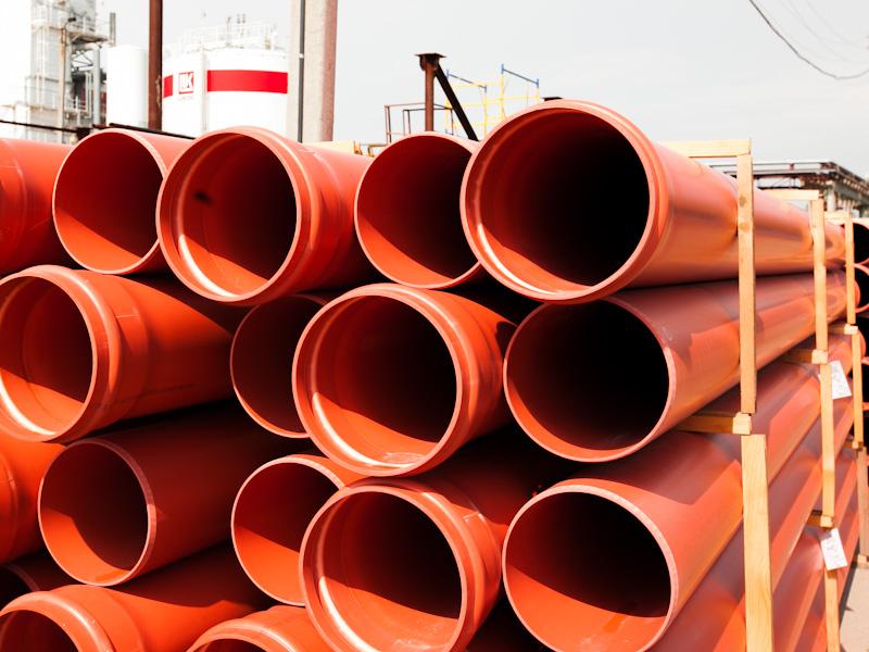 Трубы для наружной канализации обычно имеют желтый или оранжевый цвет